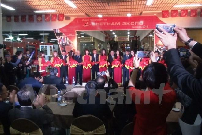 Ouverture de la foire-expo des produits vietnamiens de haute qualité en Russie - ảnh 1