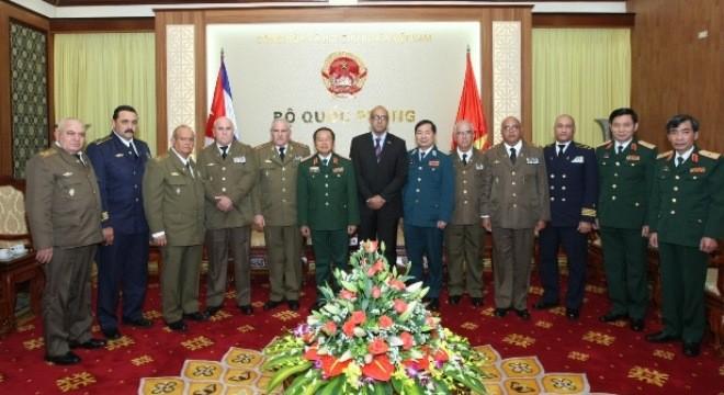 Vietnam-Cuba : vers une coopération militaire accrue - ảnh 1