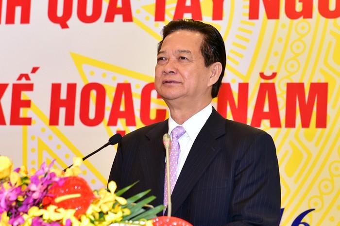 Le PM à la conférence sur le déploiement des tâches du secteur des Transports en 2016 - ảnh 1