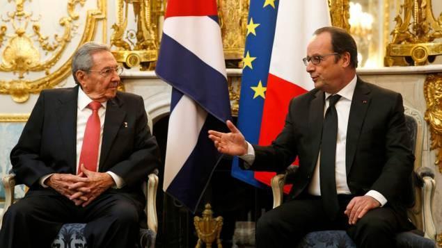 Hollande appelle Obama à effacer pleinement l'embargo à Cuba  - ảnh 1