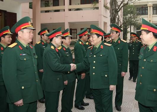 Le général Ngo Xuan Lich présente ses voeux de Nouvel an - ảnh 1