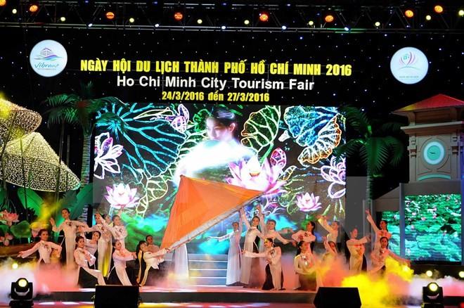 Ouverture des journées touristiques de Ho Chi Minh-ville 2016 - ảnh 1