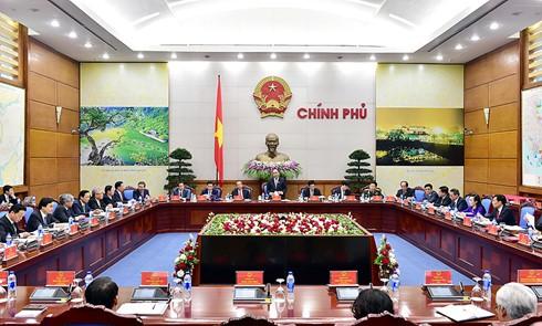 Première session gouvernementale sous la houlette du PM Nguyen Xuan Phuc - ảnh 1