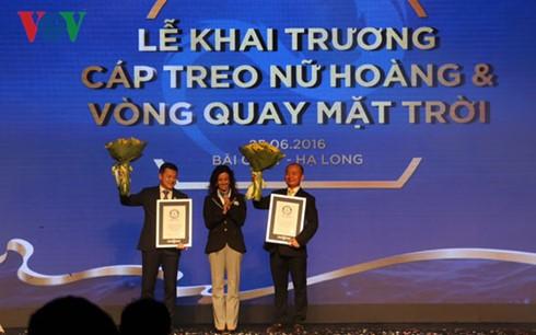 Inauguration d'un téléphérique titulaire de 2 records mondiaux à Halong - ảnh 1