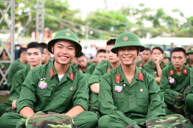 Le service militaire est-il obligatoire au Vietnam pour les hommes et les femmes? - ảnh 1
