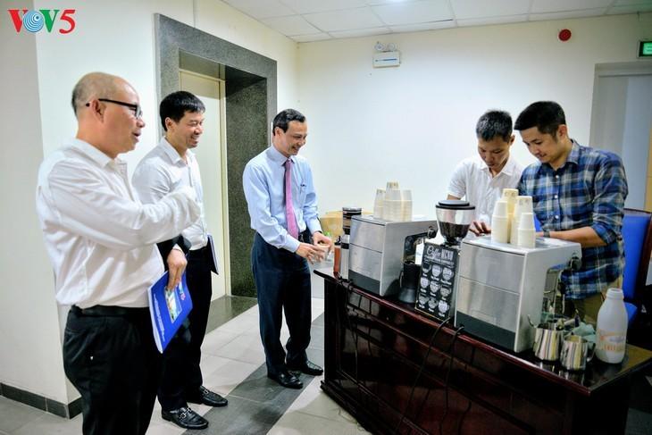 Forum en ligne: «Accord de libre-échange Vietnam-Union européenne: Un chemin profitable – un chemin difficile» - ảnh 11
