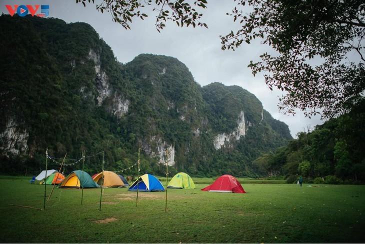 Dông Lâm – une destination idéale pour faire du camping - ảnh 7
