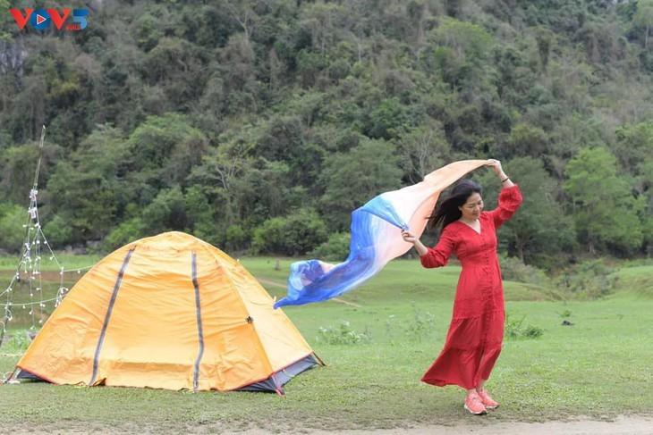 Dông Lâm – une destination idéale pour faire du camping - ảnh 8