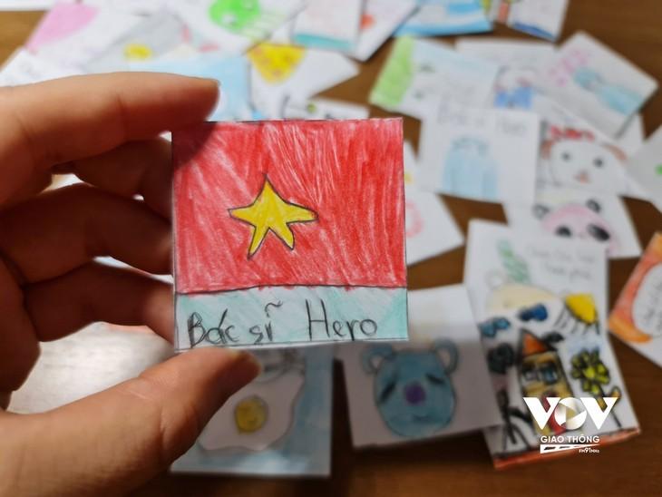 Les enfants adressent des messages de soutien aux personnes en première ligne contre la pandémie   - ảnh 3