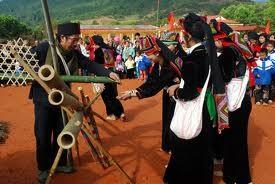 Upacara memohon hujan dari rakyat etnis minoritas Kho Mu. - ảnh 1