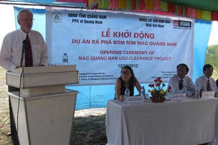 Mengoperasikan proyek menjinakkan bom dan ranjau di provinsi Quang Nam. - ảnh 1