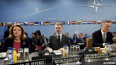 Masalah Brexit dan hubungan dengan Rusia menjadi tema pokok di Konferensi Tingkat Tinggi NATO - ảnh 1