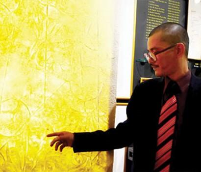 Pelukis Phan Hai Bang dan bahan kesenian baru yang bernama Truc Chi - ảnh 1