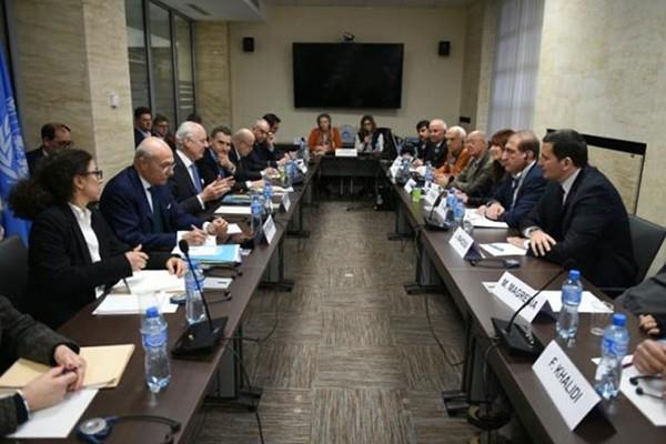 Perundingan damai Suriah menjumpai kesulitan - ảnh 1