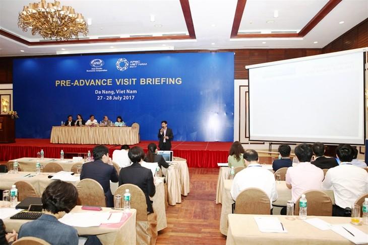 Vietnam mengadakan program kunjungan pendahuluan kali pertama untuk berbagai perekonomian APEC guna mempersiapkan Pekan Tingkat Tinggi APEC 2017 - ảnh 1