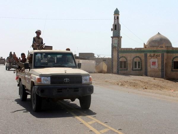 Tentara Yaman sudah sangat dekat dengan Pelabuhan Hodeida - ảnh 1