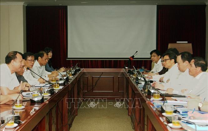 """Deputi PM Vu Duc Dam: Sekolah Tinggi Keguruan Ha Noi harus menjadi """"inti"""", matarantai penting yang mengarahkan pembaruan pendidikan dan pelatihan - ảnh 1"""