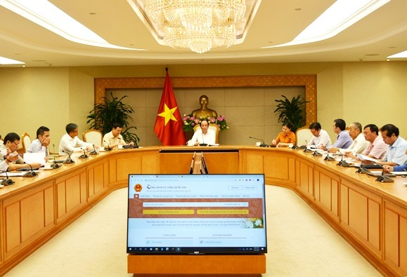Pemerintah memperkuat pemasokan jasa pulik online kepada warga - ảnh 1