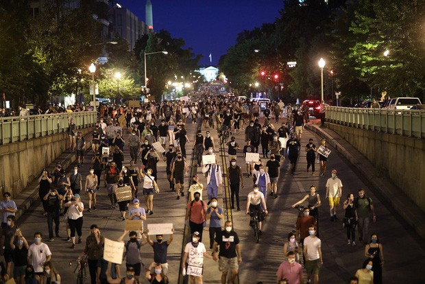 Demonstrasi menentang rasisme melanda luas ke dunia - ảnh 1