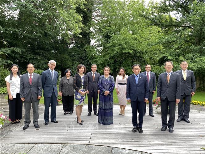 Kedutaan Besar Viet Nam di Swiss menerima jabatan Ketua Komite ASEAN - ảnh 1