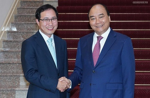 PM Nguyen Xuan Phuc menerima Presiden Direktur Grup Samsung Viet Nam - ảnh 1