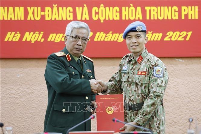 Mewarnai bendera Viet Nam di peta penjagaan perdamaian dunia - ảnh 2