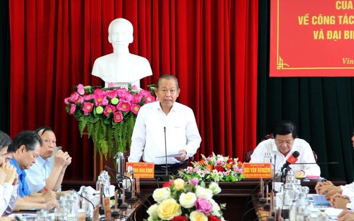 Deputi PM Truong Hoa Binh Periksa Pekerjaan Pemilihan di Provinsi Vinh Long - ảnh 1
