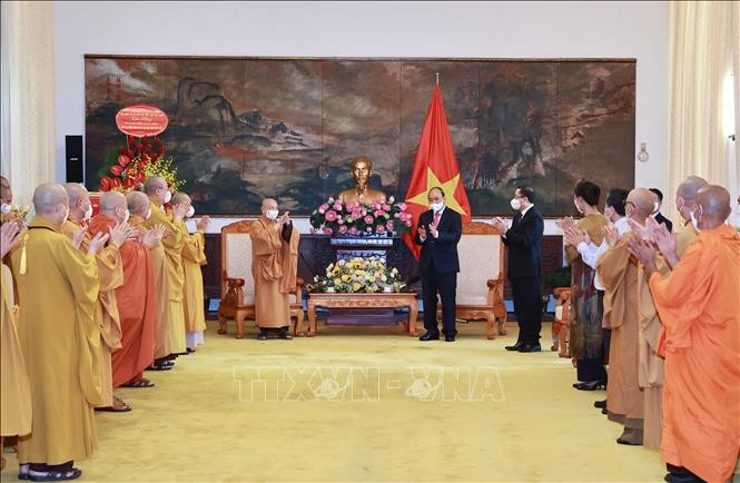 "Agama Buddha Viet Nam Memainkan Peran Sangat Penting dalam ""Membela Tanah Air, Menenangkan Rakyat"" - ảnh 1"