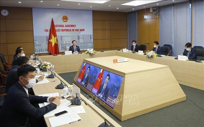 Tingkatkan Kaliber Hubungan Kerja Sama Strategis yang Komprehensif Viet Nam-Tiongkok - ảnh 2