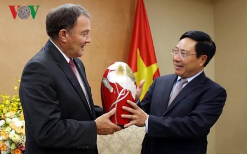 Vietnam llama a inversiones del Estado de Utah de Estados Unidos - ảnh 1