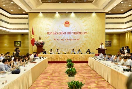 Gobierno vietnamita orienta el despliegue de los trabajos socioeconómicos - ảnh 1