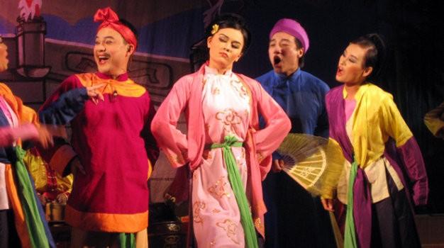 """El arte popular del """"Cheo"""", dándose a conocer al público de Hanoi - ảnh 1"""