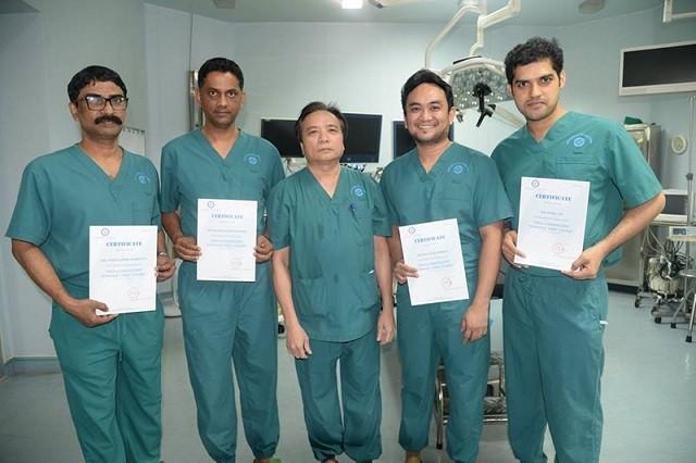 Tran Ngoc Luong, un eminente especialista en tiroidectomía - ảnh 2