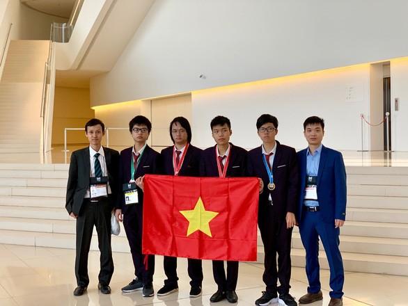 Ministerio de Educación y Formación de Vietnam alienta a los alumnos sobresalientes  - ảnh 1