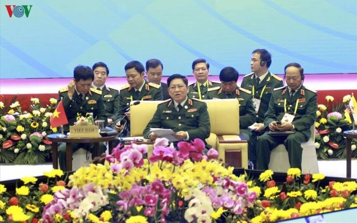 Asean emite declaración conjunta de defensa para luchar contra Covid-19 - ảnh 1
