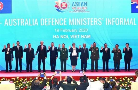 Brinda Vietnam más iniciativas a favor de la cooperación de defensa en Asean - ảnh 1