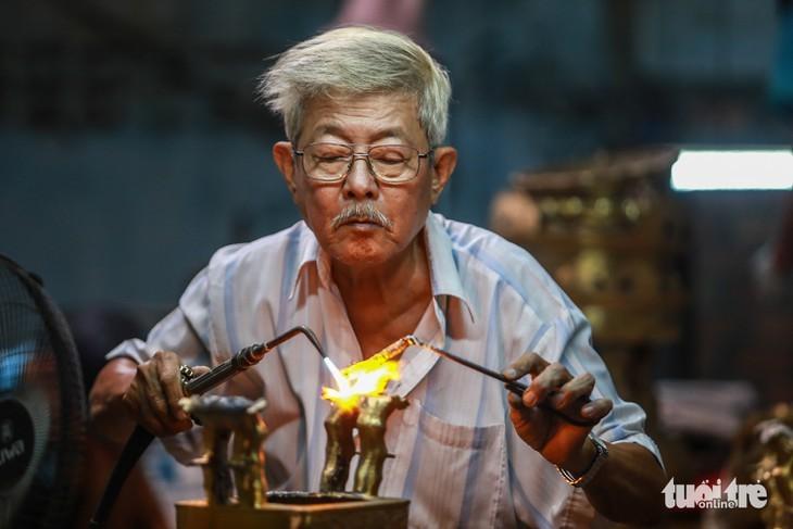 Aldeas artesanales vietnamitas avanzan gracias al comercio electrónico - ảnh 1