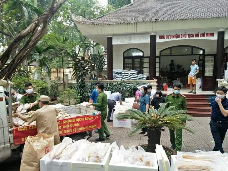 """Programa """"Tómalo si lo necesitas"""": gesto humanitario de un empresario vietnamita en medio del Covid-19 - ảnh 1"""