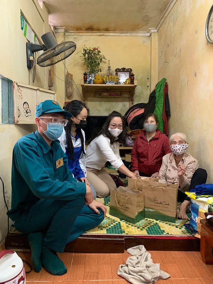 """Programa """"Tómalo si lo necesitas"""": gesto humanitario de un empresario vietnamita en medio del Covid-19 - ảnh 4"""