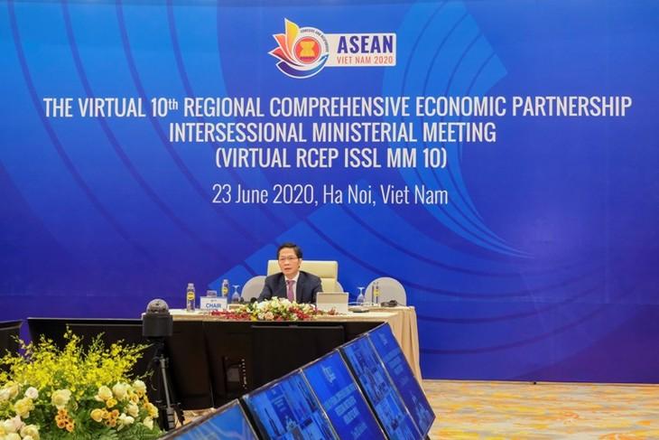Celebran X Conferencia ministerial de RCEP en preparación para la inminente Cumbre de la Asean - ảnh 1