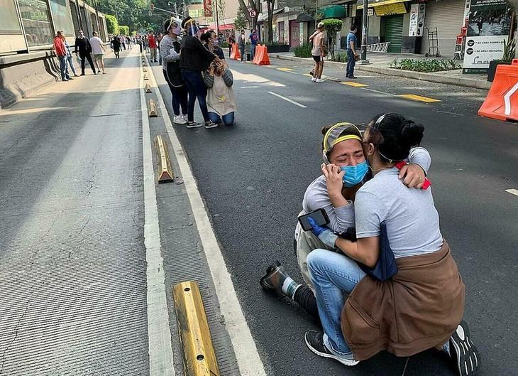 Sismo de magnitud 7,4 sacude México - ảnh 1