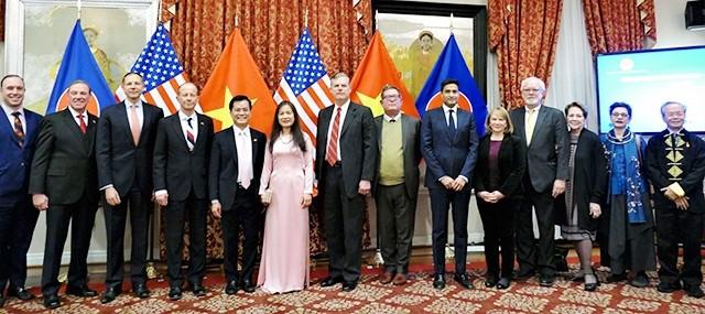 Fortalecen relaciones Vietnam-Estados Unidos después de 25 años de normalización   - ảnh 1