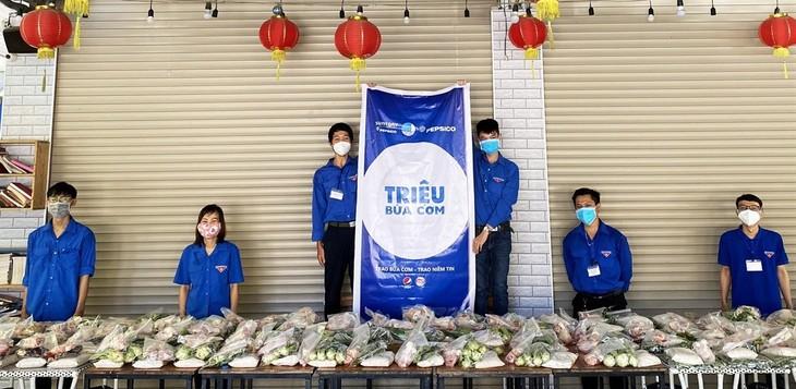 """Programa """"Millón de comidas"""" comparte dificultades con vietnamitas  - ảnh 1"""