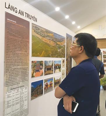 Exposición arquitectónica de aldeas vietnamitas presenta sus valores esenciales - ảnh 2