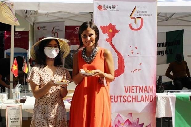 Promoción de la cultura de Vietnam en Alemania - ảnh 1