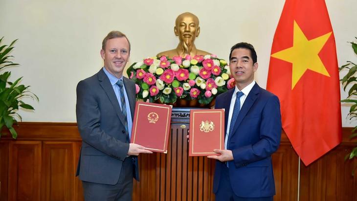 El Tratado de Libre Comercio Vietnam-Reino Unido entrará en vigor en mayo - ảnh 1