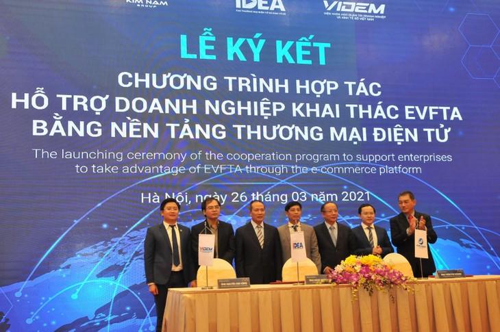 Ofrecen apoyo a las empresas vietnamitas para el desarrollo del comercio electrónico - ảnh 1