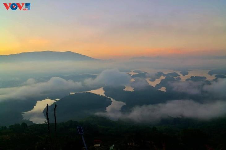 "Lago Ta Dung - ""bahía de Ha Long"" en la meseta - ảnh 1"