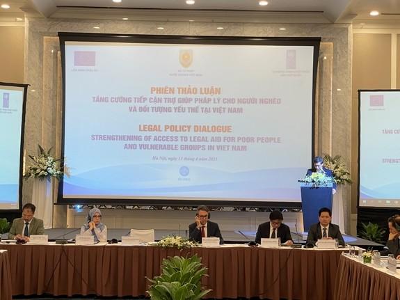 Mejora la asistencia jurídica a las personas más vulnerables en Vietnam - ảnh 1