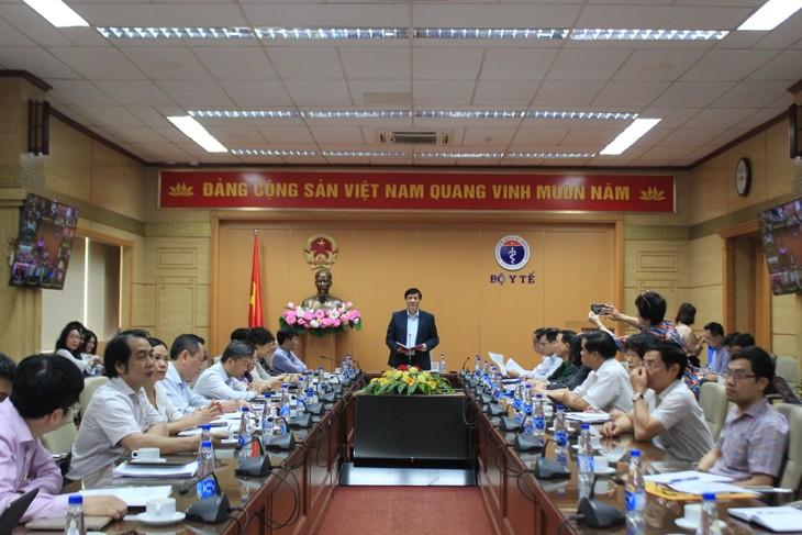 Localidades vietnamitas cumplirán con el programa de vacunación antes del 5 de mayo, según el Ministerio de Salud Pública - ảnh 1